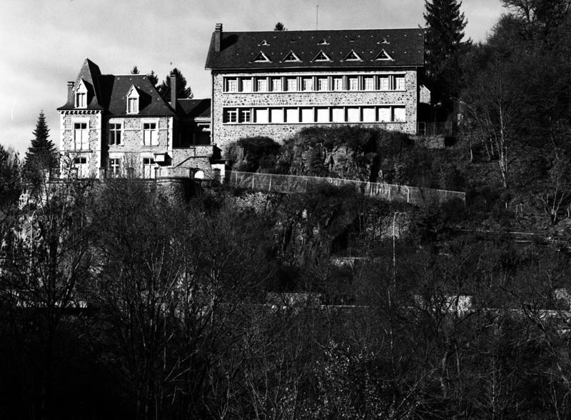 Villa Perronin, actuellement centre de vacances La Roche des Fées