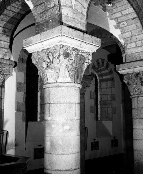 Ensemble des chapiteaux (18) de la nef : n°10 à 18, 109 à 120