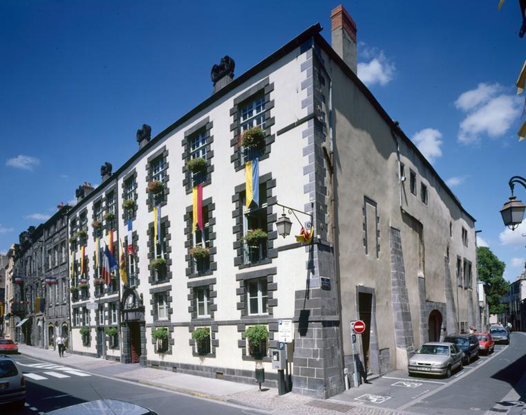 Hôtel de Cériers, actuellement hôtel de ville