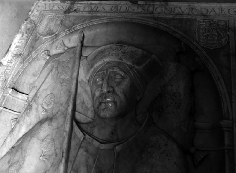 dalle funéraire du tombeau d'Yves II d'Alègre
