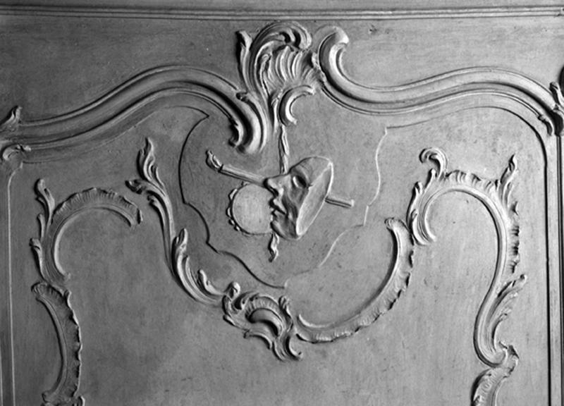 ensemble du décor de lambris de hauteur, gypseries, du salon de musique