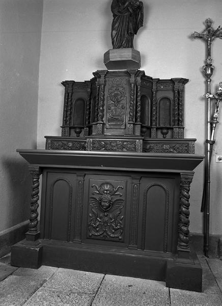 Éléments d'un autel-retable secondaire, tabernacle, 2 colonnettes