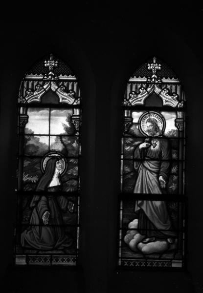 ensemble de 8 verrières : baie n°5 : Apparition du Sacré-Coeur à Marguerite Marie Alacocque