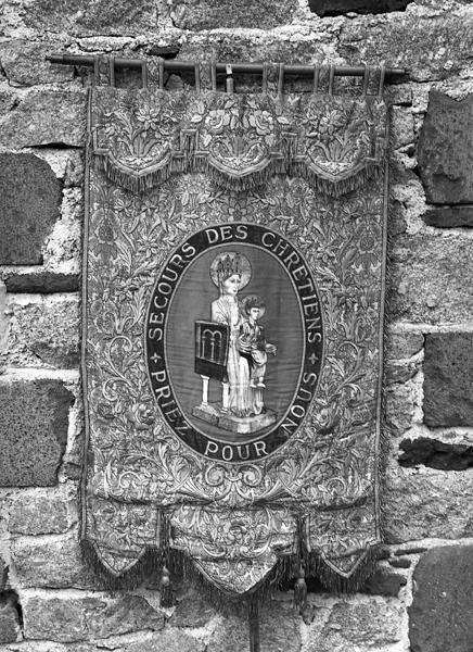 Bannière de procession de Notre-Dame d'Orcival