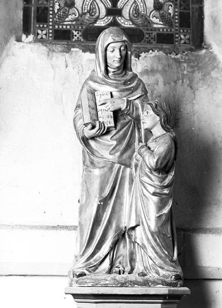 Groupe sculpté de l'éducation de la Vierge