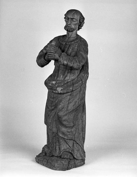 statue (demi-nature) de saint Pierre (?)