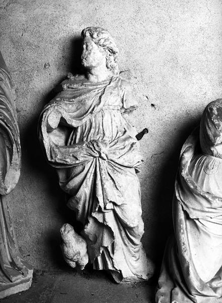 Ensemble de deux statues : saint Jean Evangéliste et sainte Anne