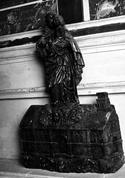 statue : Translation de la Santa Casa à Lorette
