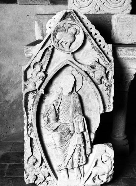 Ensemble des fragments de la châsse dite sépulcre de saint Menou