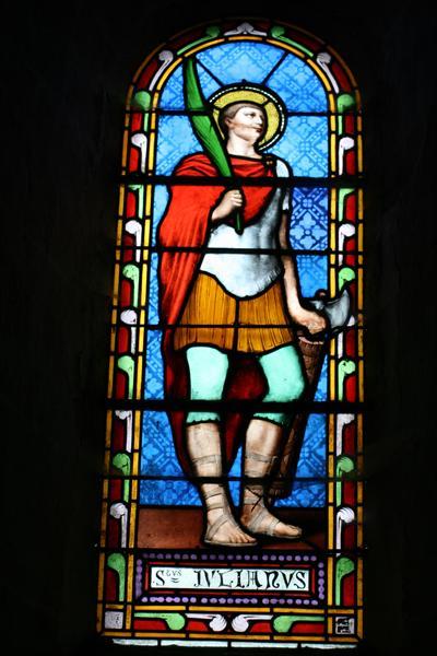 ensemble de 5 verrières à personnages : Sacré-Coeur et sainte Marguerite-Marie Alacocque, sainte Radégonde et sainte Thérèse de Lisieux, saint Julien de Brioude, sainte Anne, saint Jean-Baptiste (baies 0, 2, 4, 5, 6) et de deux verrières décoratives (baies 1 et 3)