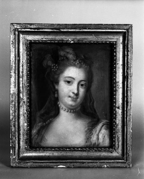 Tableau : portrait présumé de la Vicomtesse Anne-Herminie-Hellenie Bernard de Vaugelet