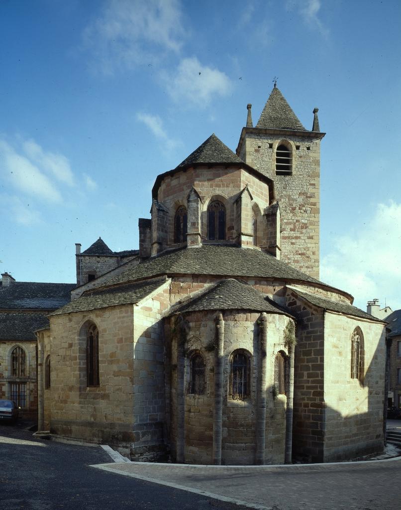 église paroissiale Saint-Martin, ancien monastère de bénédictins