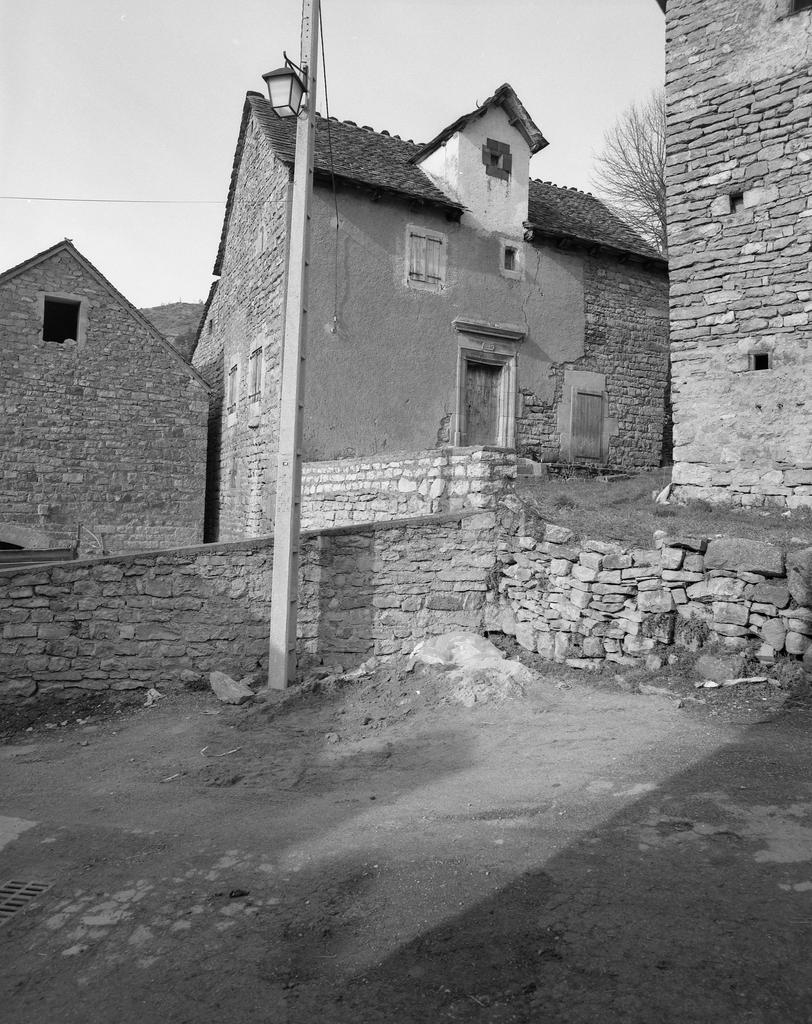 Maisons et fermes de la commune de Lanuéjols