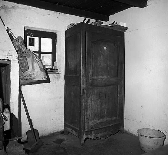 armoire à linge No 3