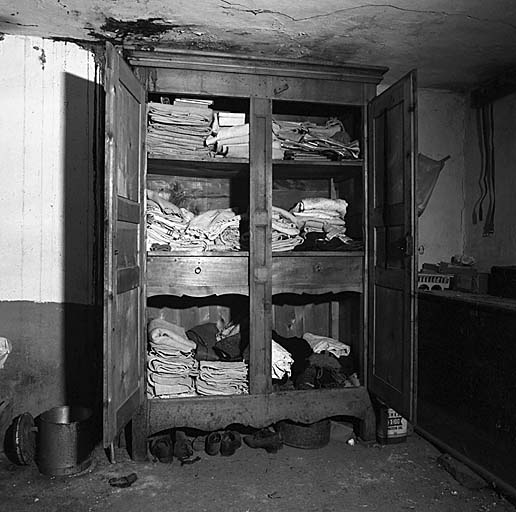 armoire No 35 dite armoire à linge