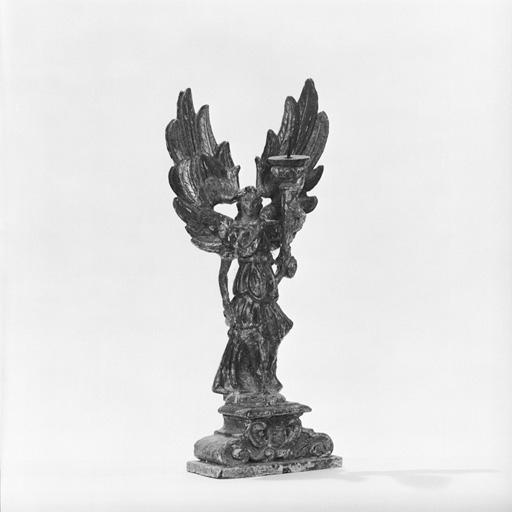 2 statuettes-chandeliers (paire) : Anges porte-flambeau.