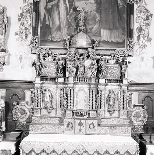 Ensemble du maître-autel (autel, 2 gradins d'autel, 2 tabernacles, exposition, 12 statues, tableau)