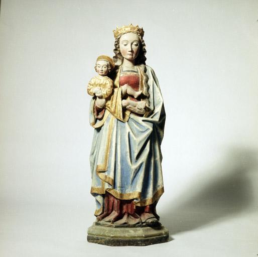 statues (3)