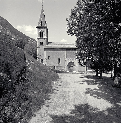Église paroissiale Saint-Apollinaire