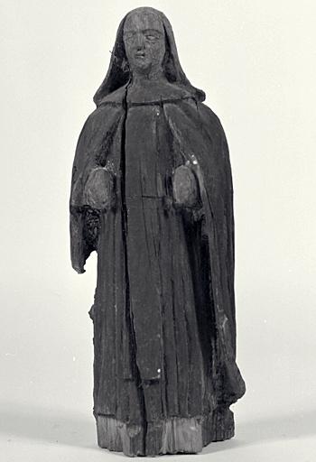 Statuette : religieuse