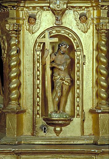 tabernacles (2), gradins d'autel (2), statues (5)