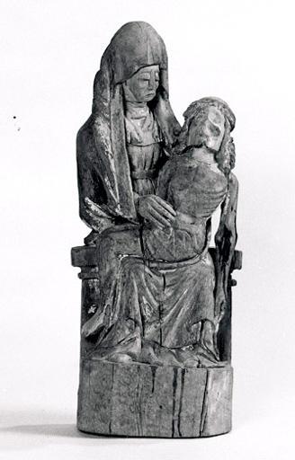 Statuette : Vierge de Pitié (n° 1).