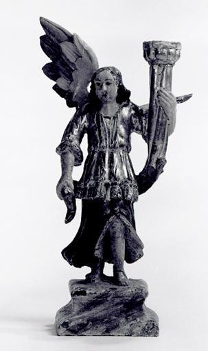 statues (2) : ange porte-flambeau