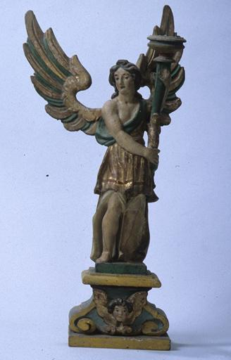 statues (2) : anges porte-flambeau (No 2)