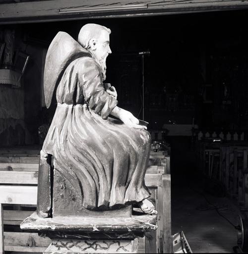 Tronc, statue : Saint Antoine abbé.