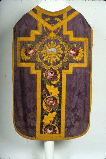 chasuble ; voile de calice