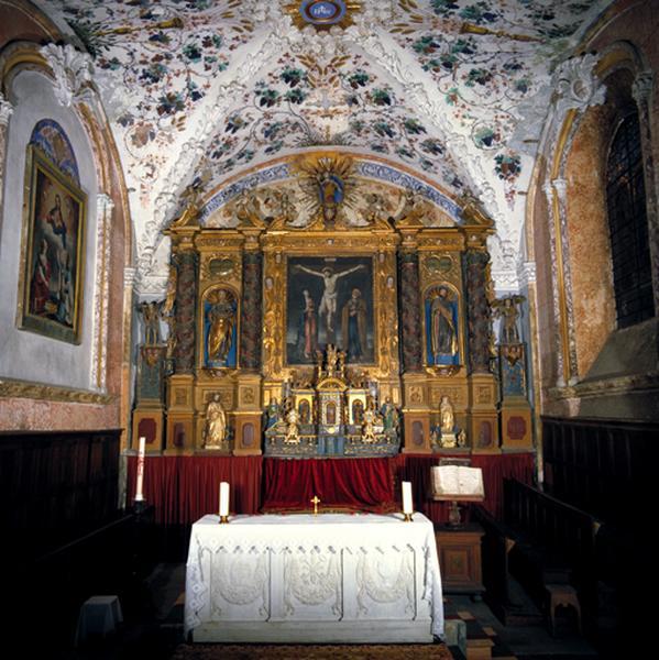 Autel (maître-autel, autel tombeau)