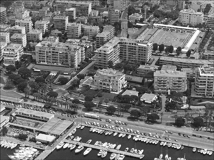 Maison dite Villa Marina, puis la Corne d'or ; immeuble la Corne d'Or