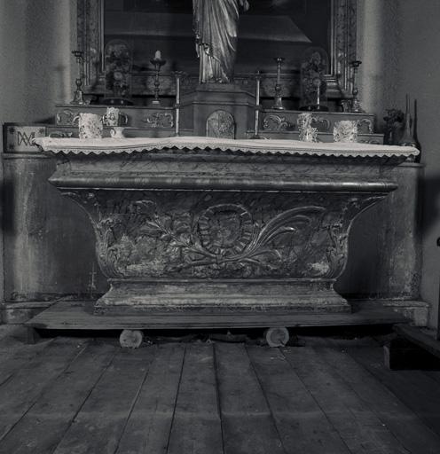 autel, gradins (2), tabernacle de l'ensemble de deux autels latéraux (autel droit)
