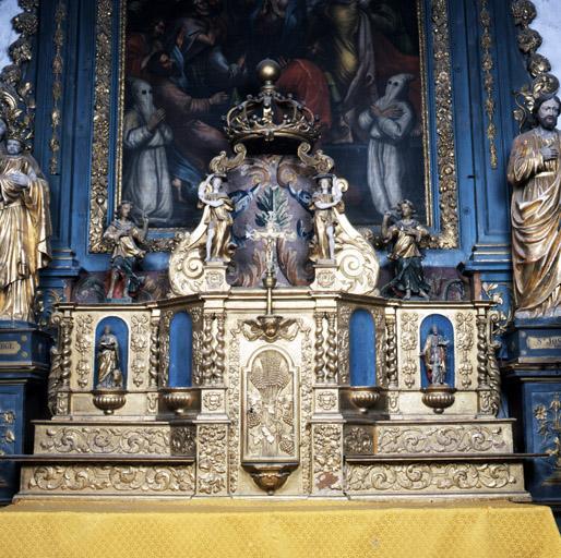 2 gradins d'autel, tabernacle, exposition, 4 statues (tabernacle à ailes et dais d'exposition, tabernacle architecturé)