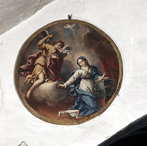 2 tableaux : Annonciation, Adoration du saint sacrement.