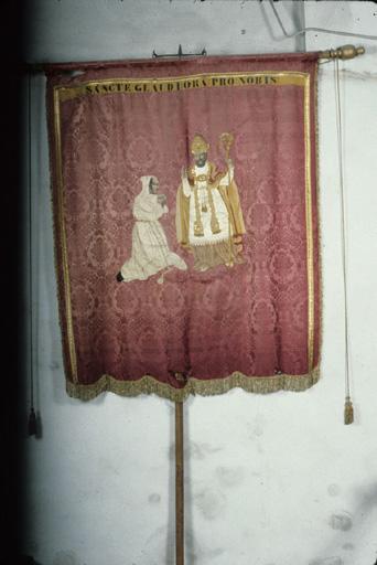 Bannière de procession : Saint Claude, de la confrérie de pénitents.