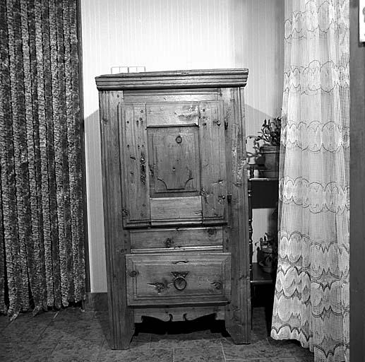 armoire No 13