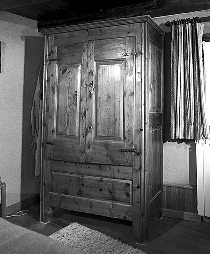 armoire No 20