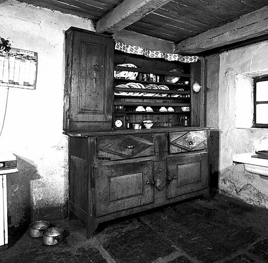 buffet ; vaisselier No 9
