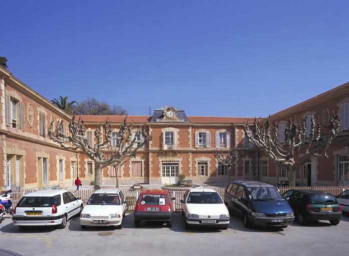 Écuries de la maison dite château San Salvadour
