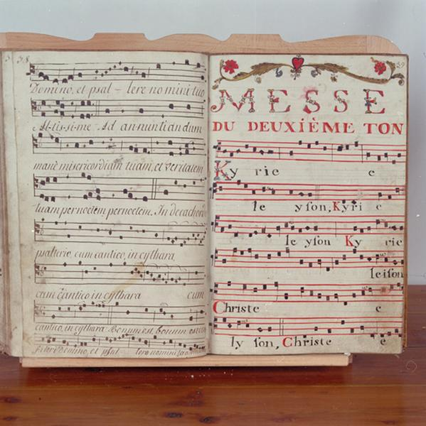 Livre : recueil de chant (N° 4)
