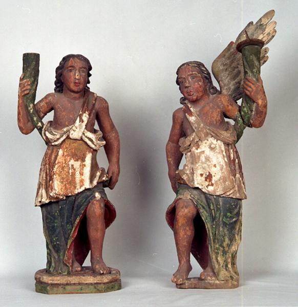 Paire de statues-chandeliers d'autel (statuettes) : Anges