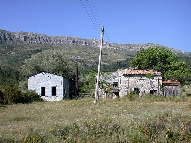 Édifice agricole et parfumerie (distillerie de lavande)