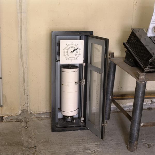 Instrument de mesure des volumes (jauge enregistreuse)
