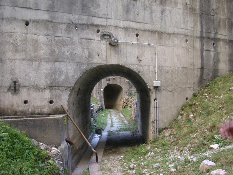 Centrale hydroélectrique du barrage de Castillon