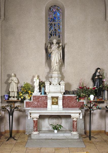 Ensemble des autels secondaires de saint Pierre et de sainte Thérèse de Lisieux (2 autels, 2 gradins d'autels, 2 tabernacles, thabor)
