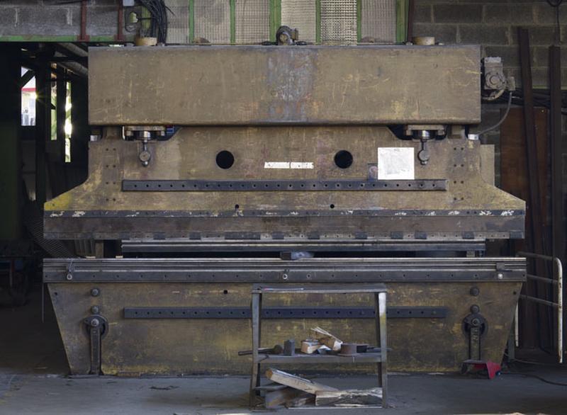 Machine à plier (presse plieuse Colly)