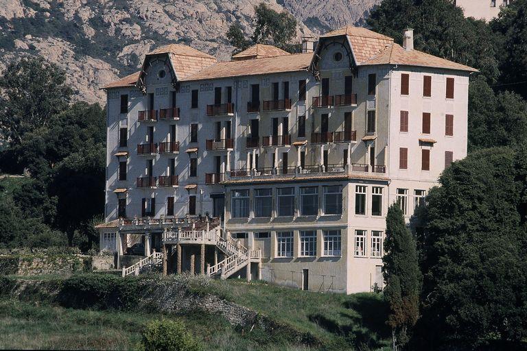 hôtel de voyageurs Les roches rouges
