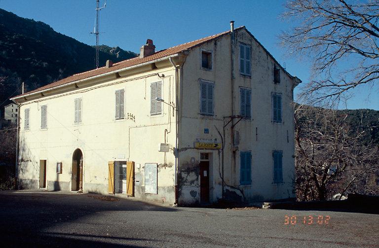 ancienne maison, actuellement mairie et poste