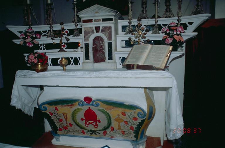 Autel, 3 gradins, tabernacle (maître-autel)